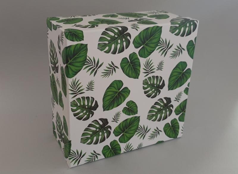 Kutija darovna 3/1 27x27x12,5cm   HR0182